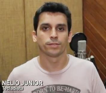 Onde está o ex-aluno Nélio Júnior?