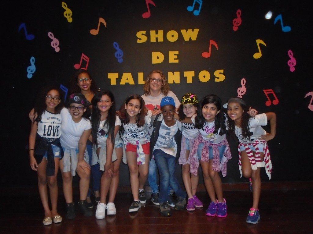 COLÉGIO SANTA MÔNICA-SHOW DE TALENTOS-BONSUCESSO