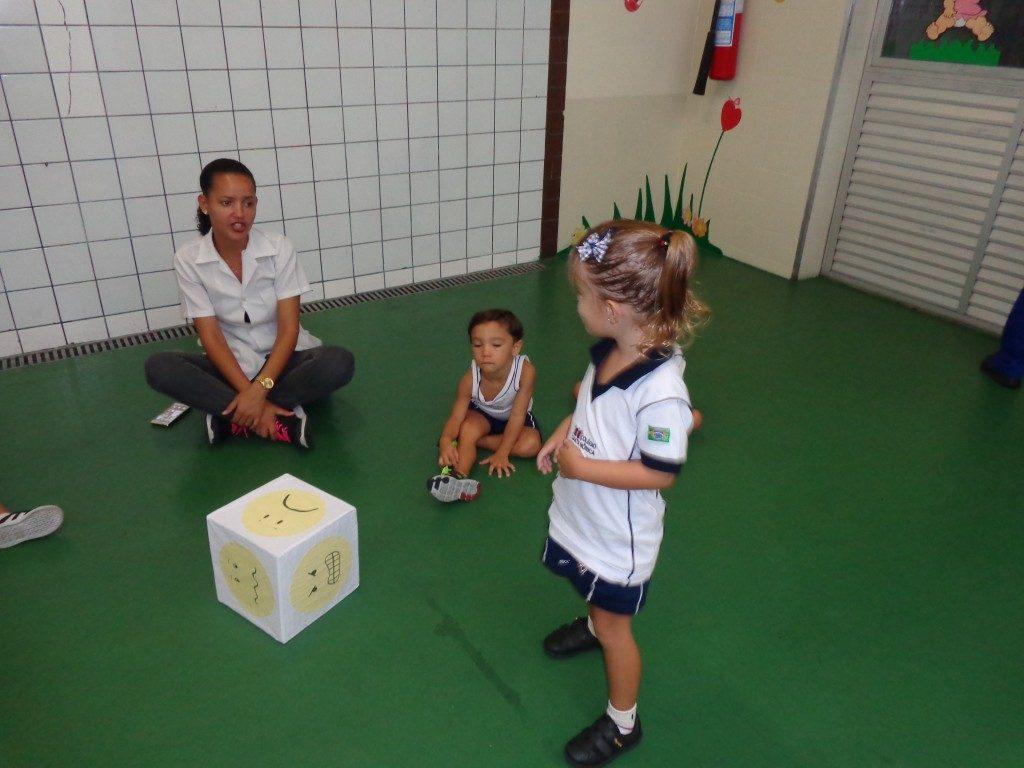 COLÉGIO SANTA MÔNICA-LEITURA DE IMAGENS-EXPRESSÃO DE SENTIMENTOS-BONSUCESSO