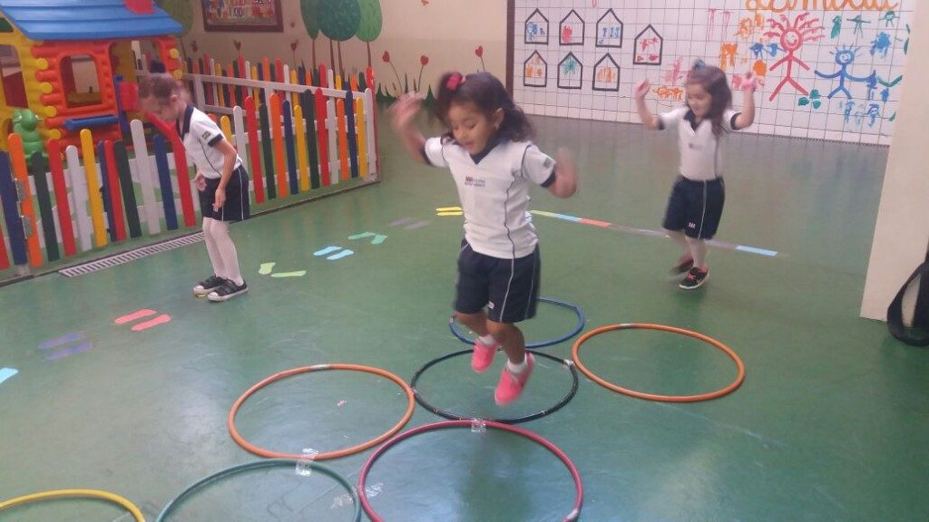COLÉGIO SANTA MÔNICA – TRABALHANDO A COORDENAÇÃO MOTORA – EDUCAÇÃO INFANTIL (T) – BONSUCESSO