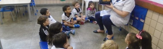 """COLÉGIO SANTA MÔNICA – FANTOCHES """"HANSEL AND GRETEL"""" – EDUCAÇÃO INFANTIL – CACHAMBI"""