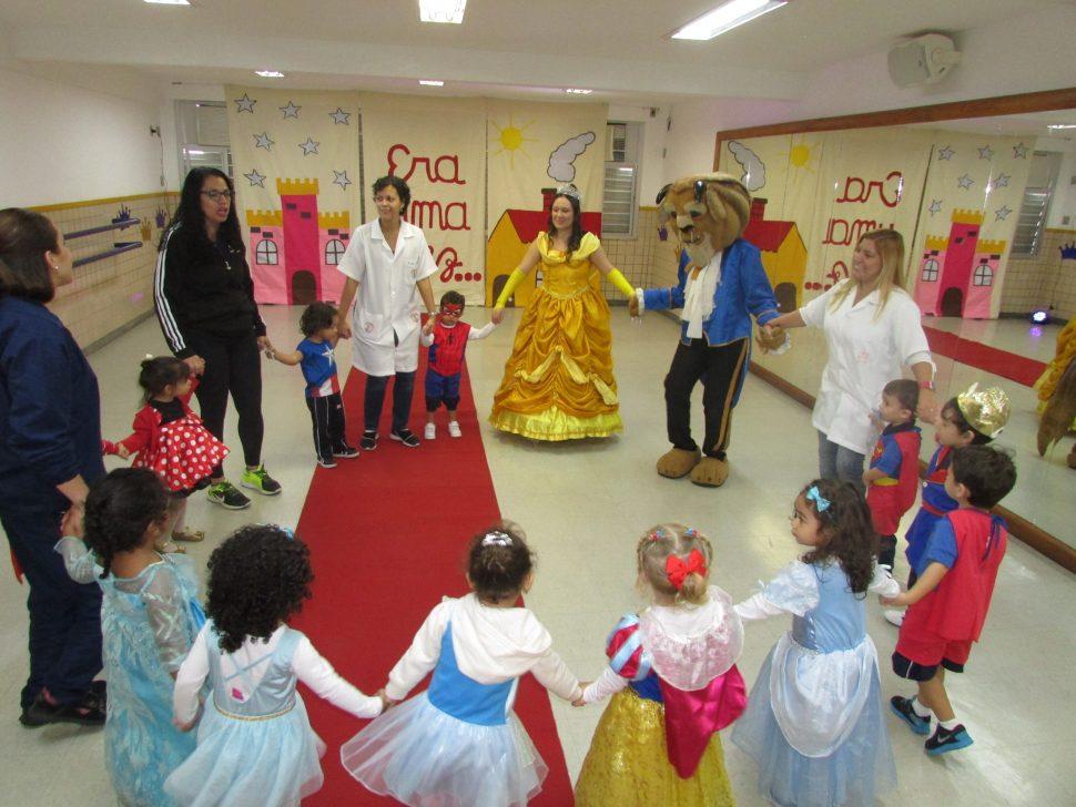 COLÉGIO SANTA MÔNICA – PROJETO (LIVRO PARADIDÁTICO) – INGLÊS – EDUCAÇÃO INFANTIL (M) – TAQUARA