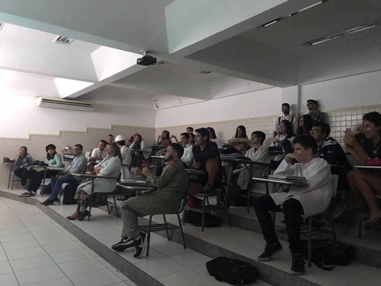 Dinâmica Pré Vestibular Ensino Médio Colégio Santa Mônica